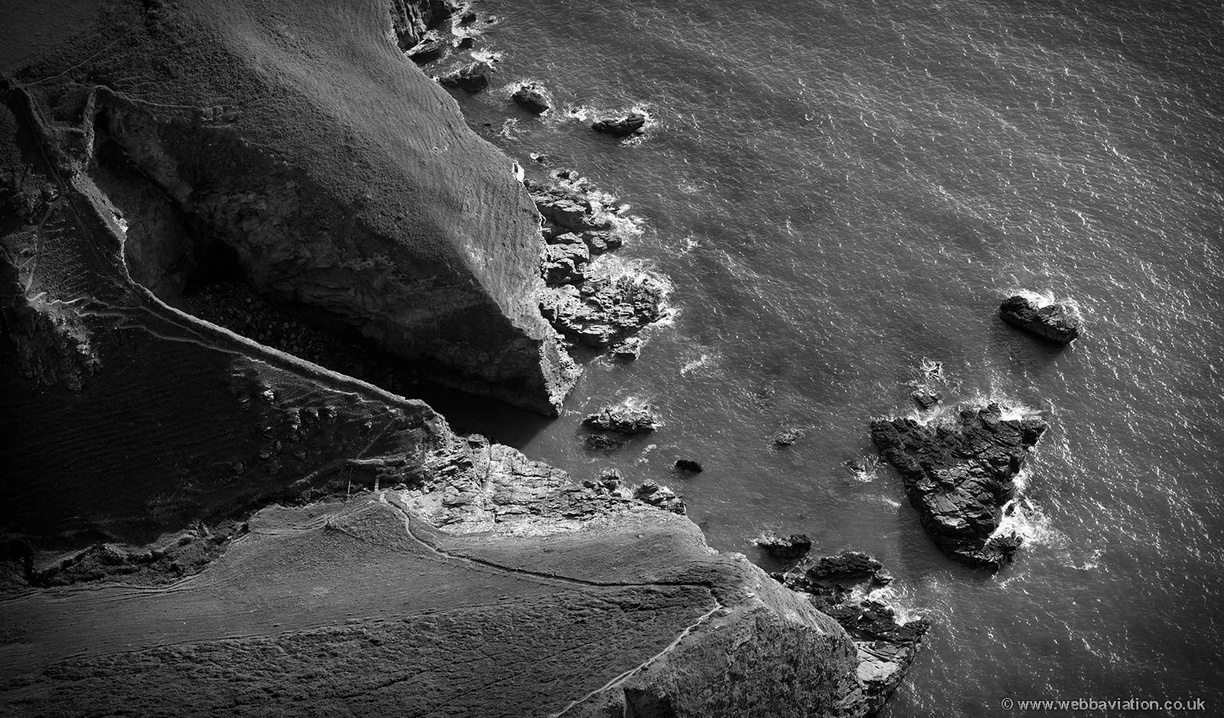 Jackets_Point_Cornwall_md12309bw.jpg