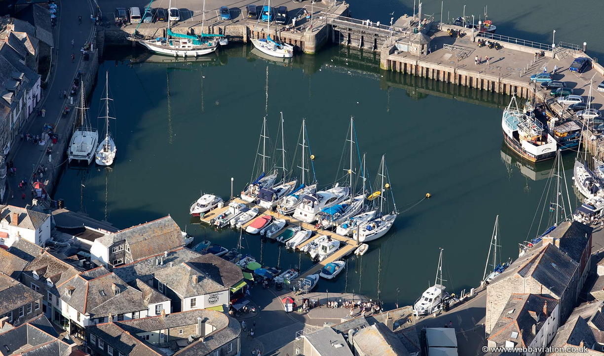 Padstow_Harbour_md11870.jpg