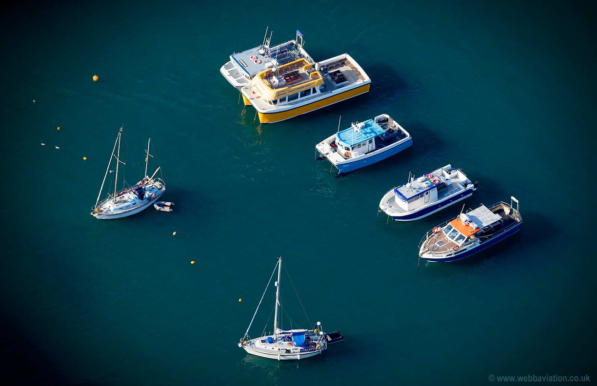 Boats_Ilfracombe_Harbour_md10166av.jpg