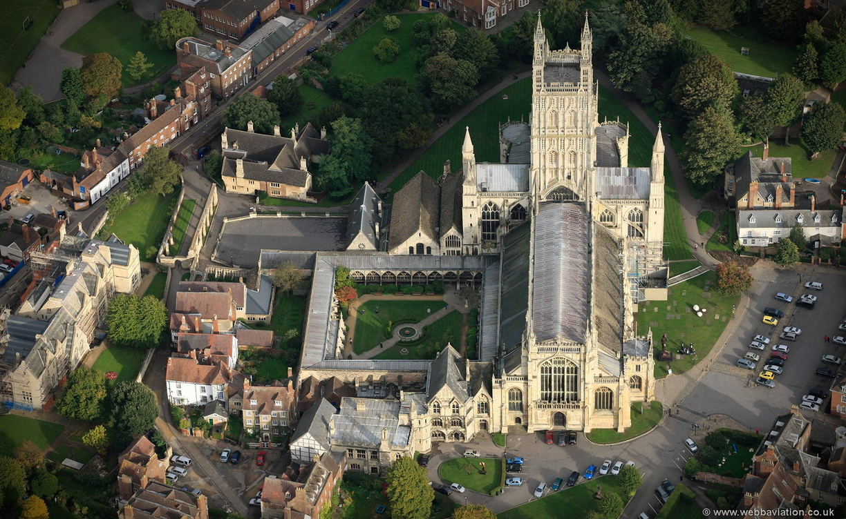 Gloucester_Cathedral_eb31528.jpg