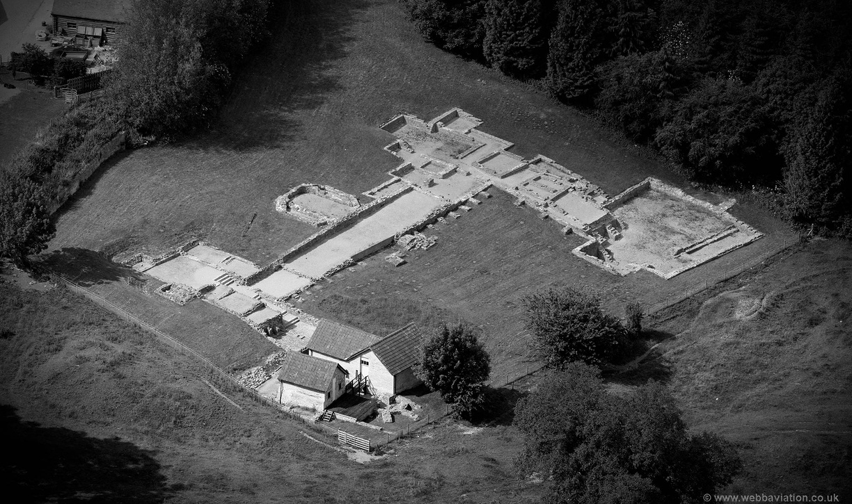Great_Witcombe_Roman_Villa_db46966bw.jpg