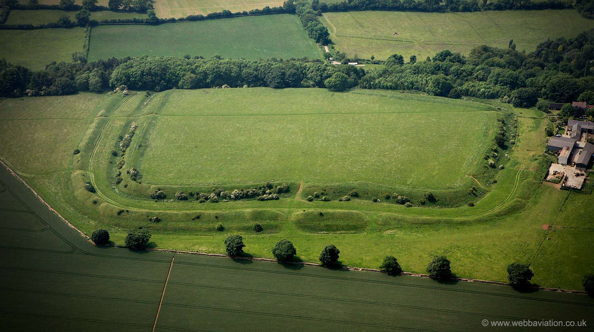 Little_Sodbury_hillfort_ba14014.jpg