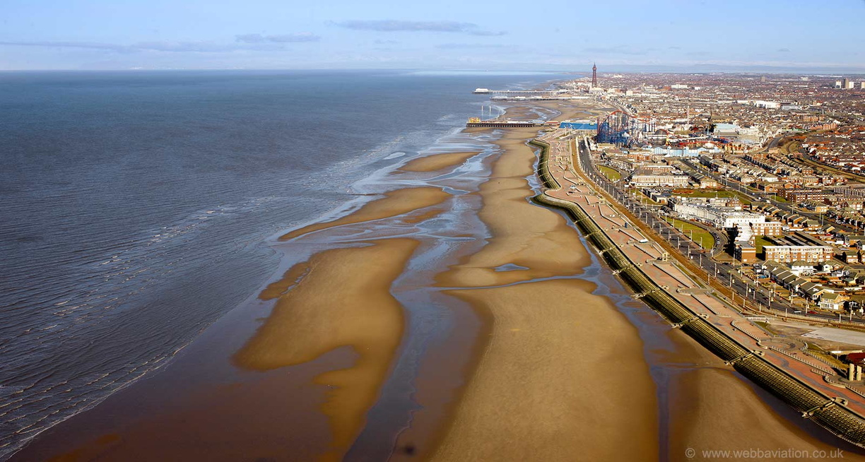 Blackpool_beach_db03328.jpg