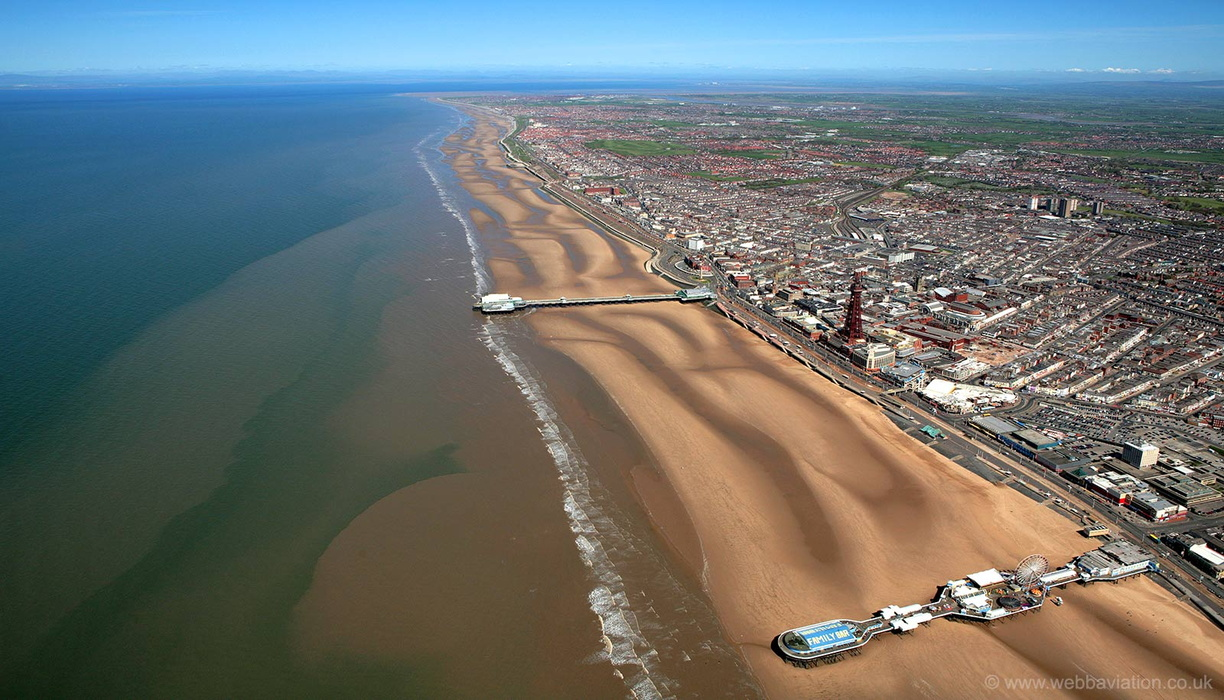 Blackpool_golden_mile_aa2468b.jpg