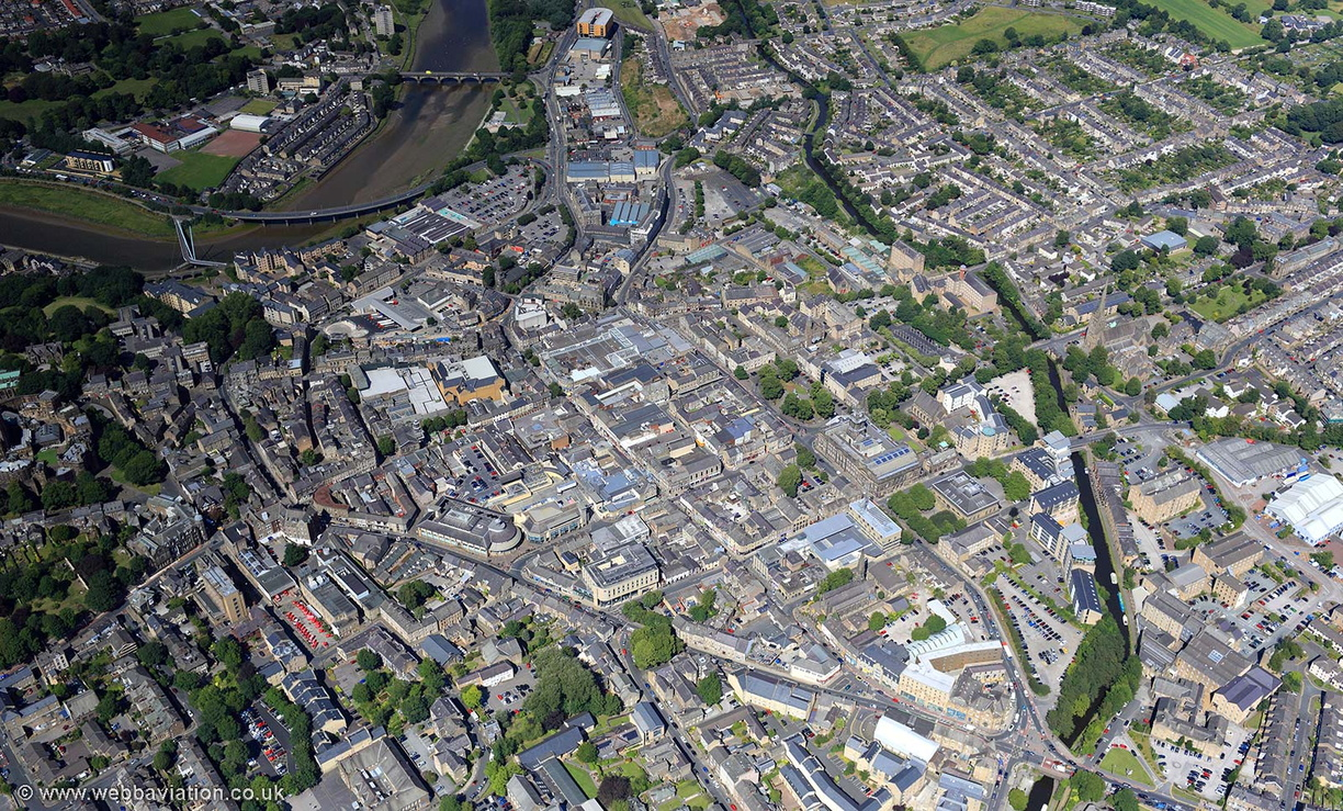 Lancaster_town_centre_aerial_ic16320.jpg