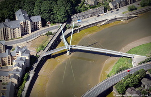 Lune Millennium Bridge from the air