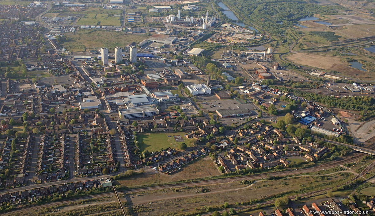 Scunthorpe_Town_Centre_aerial_LD05308.jpg
