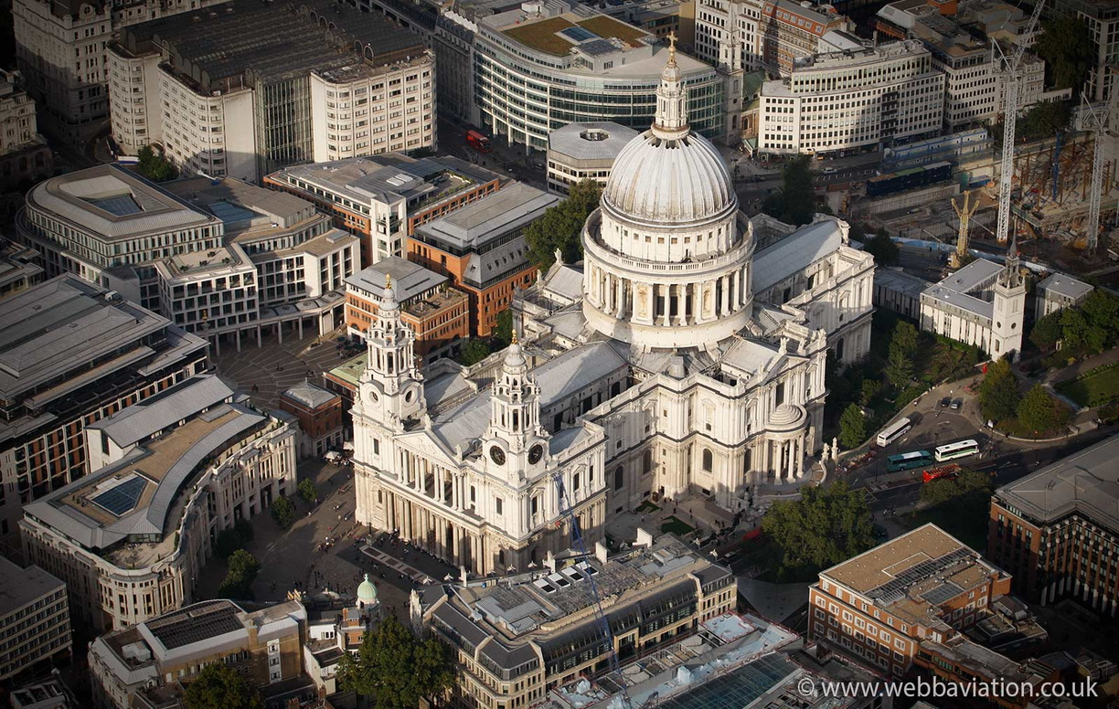 St_Pauls_Cathedral_London_cb33070.jpg