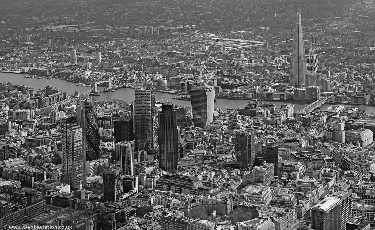 city_of_london_air_hc24660bw.jpg