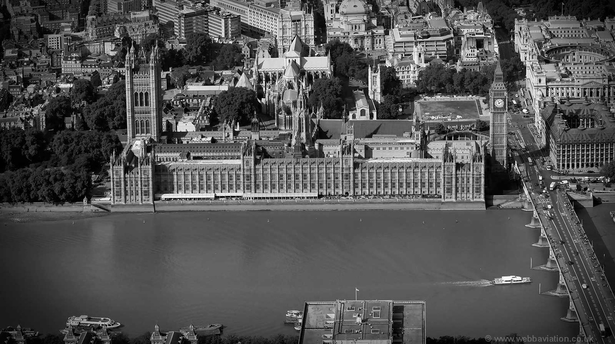 Houses_of_Parliament_ga25383bw.jpg