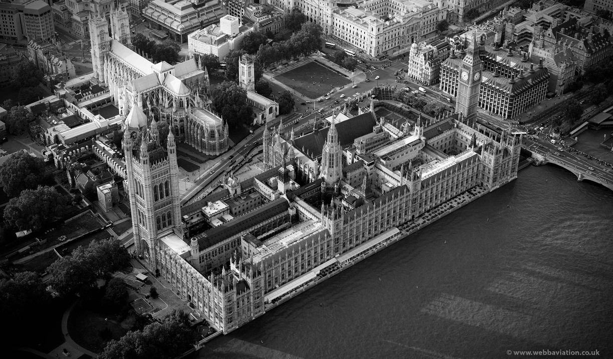 Palace_of_Westminster_ca32732bw.jpg