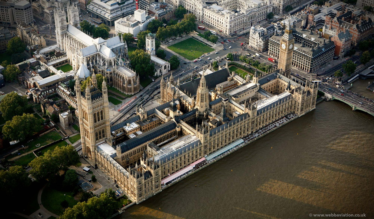 Palace_of_Westminster_ca32732.jpg