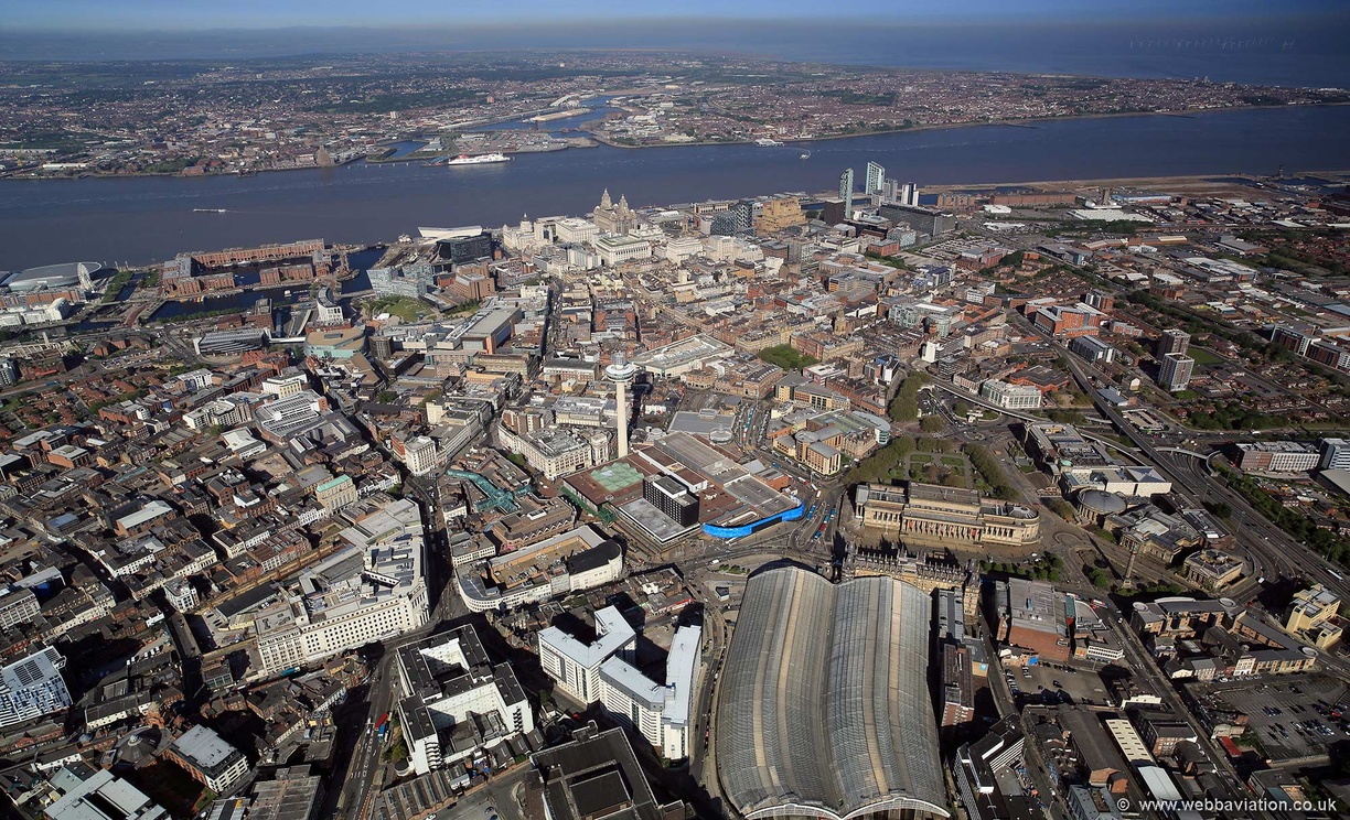 Liverpool_city_centre_air_hc35747.jpg