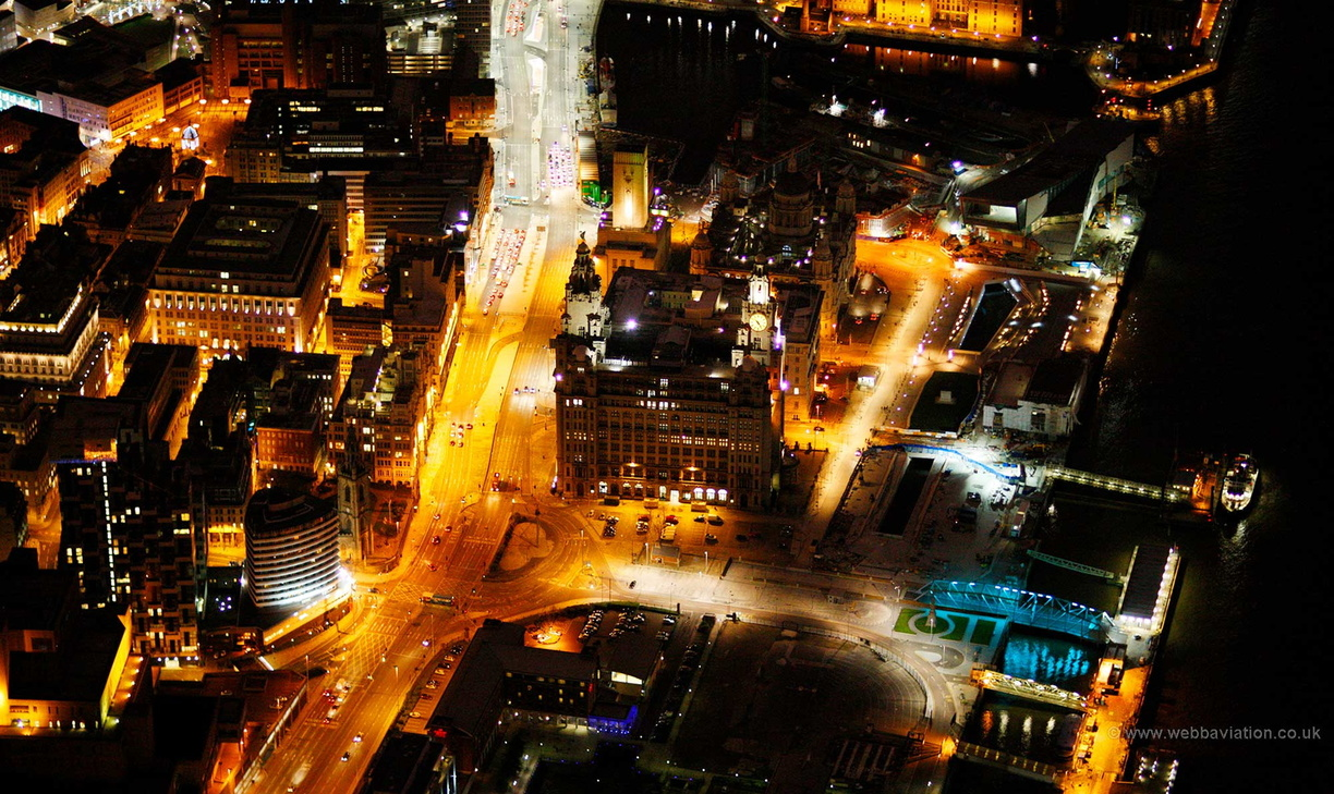 Liverpool_night_aerial_photo_cb50852.jpg