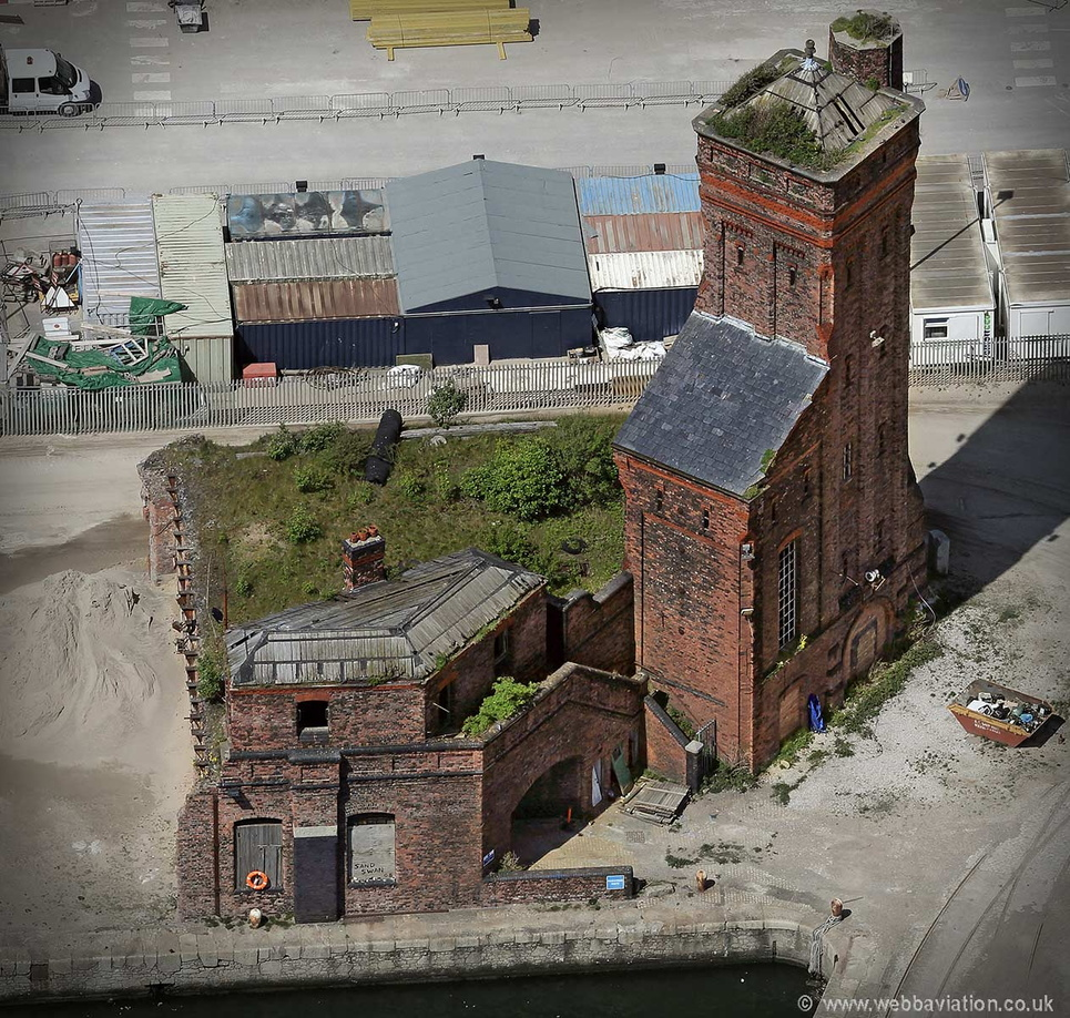 Pump_House_Liverpool_Docks_hc33001.jpg