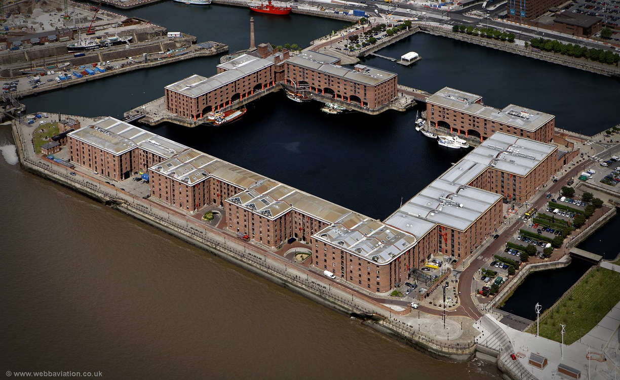 The_Royal_Albert_Dock_Liverpool_cb16900.jpg