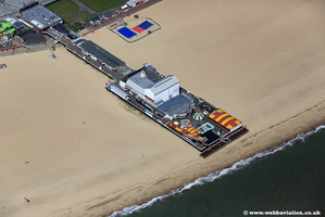 Great Yarmouth Pier jc19011