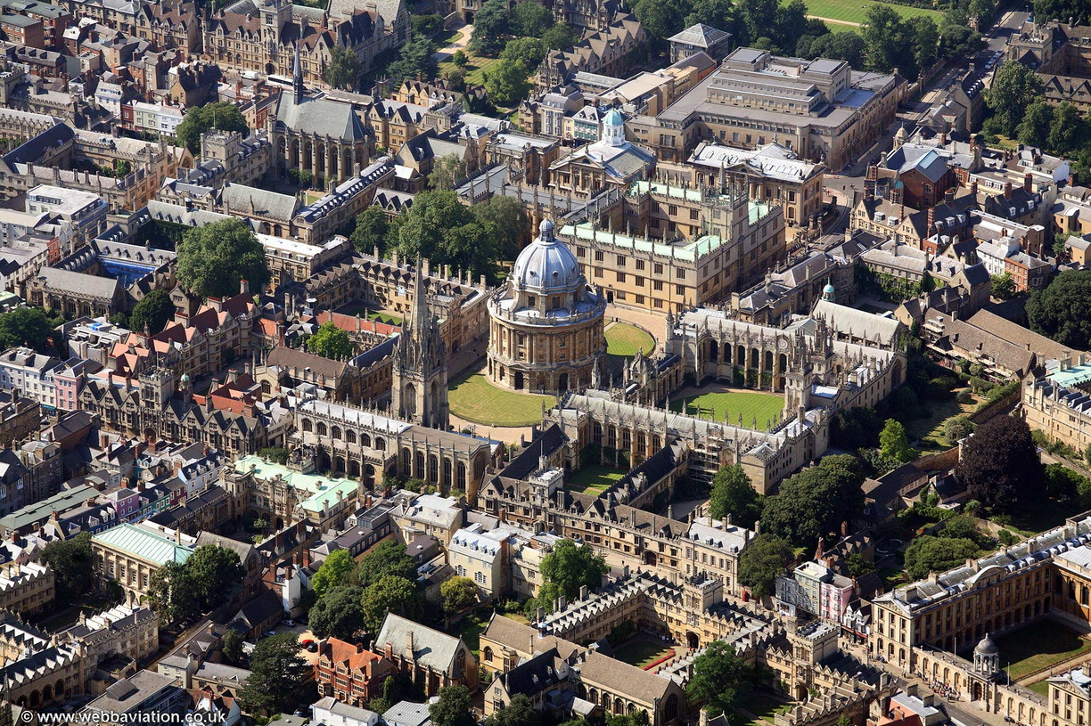 Bodleian_Library_Oxford_aa06800.jpg