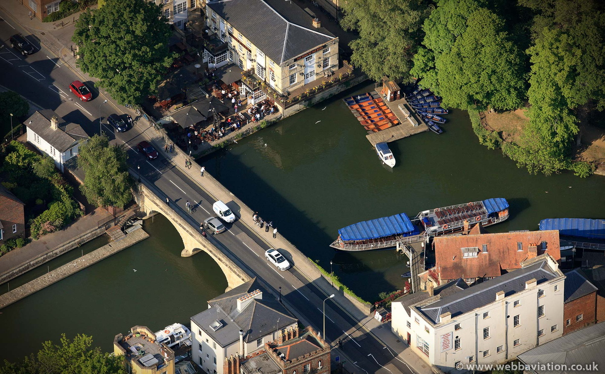 Folly_Bridge_Oxford_fb11293.jpg