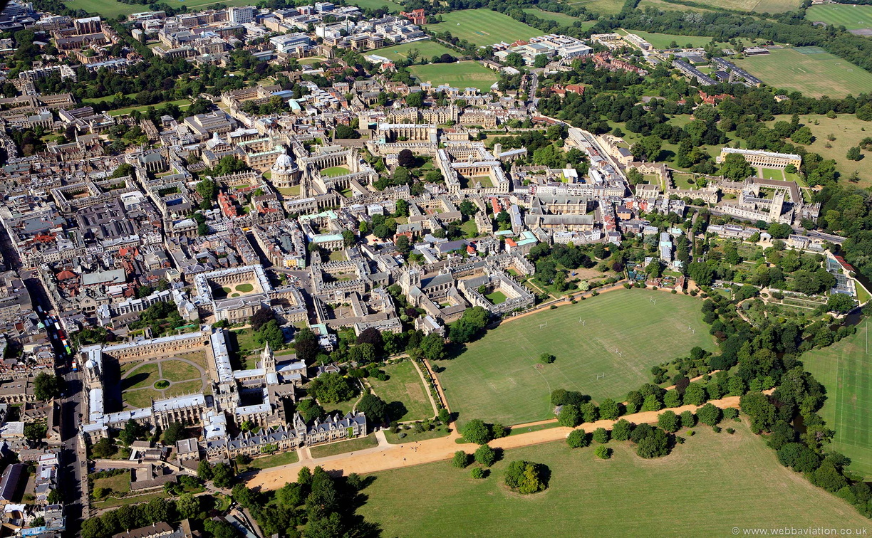 Oxford_University_aa06777.jpg