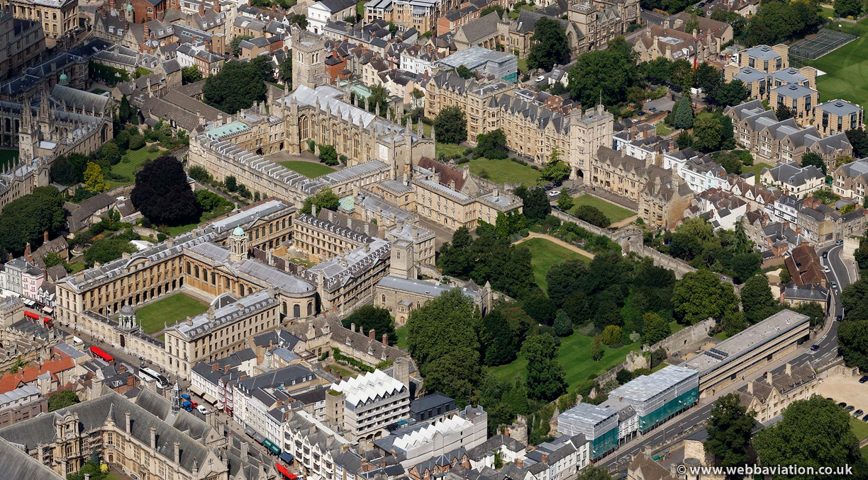 Oxford_city_walls_cb26613.jpg