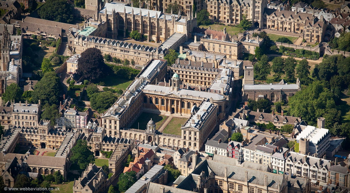 Queens_College_Oxford_aa06803.jpg
