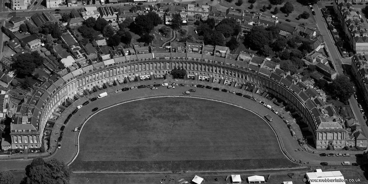 The_Royal_Crescent_Bath_eb21762bw.jpg