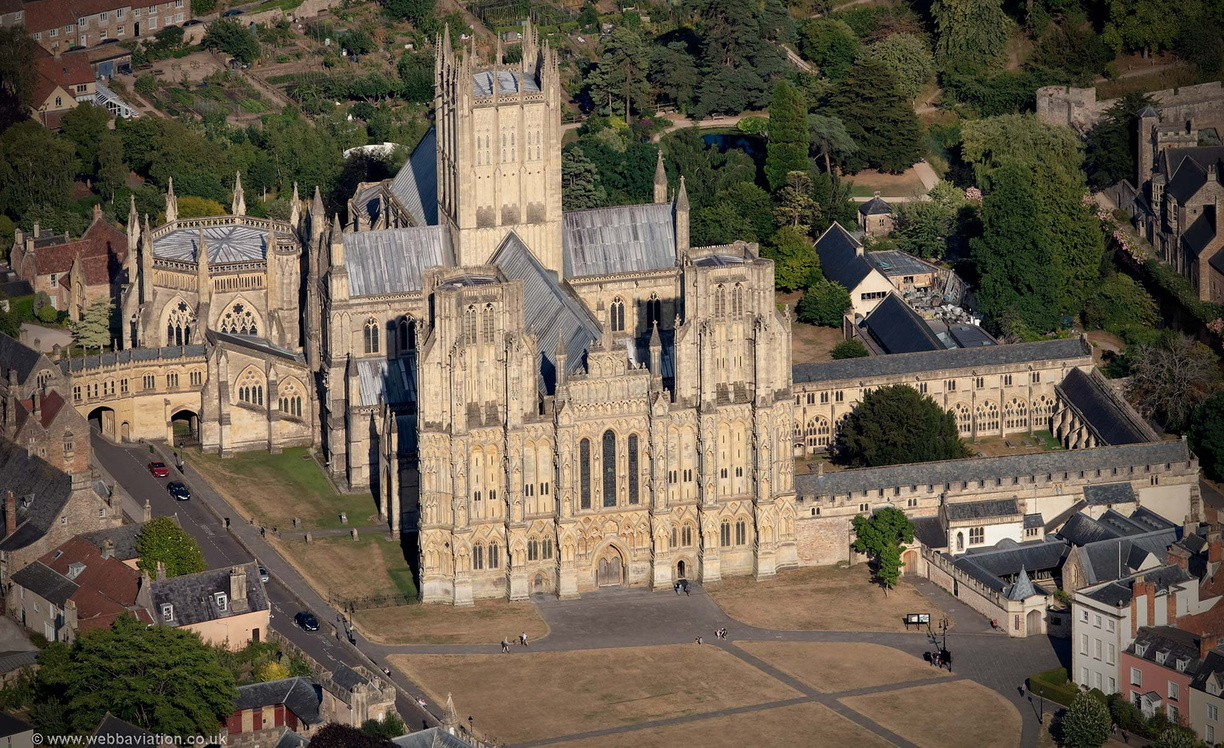 Wells_Cathedral_md15253.jpg