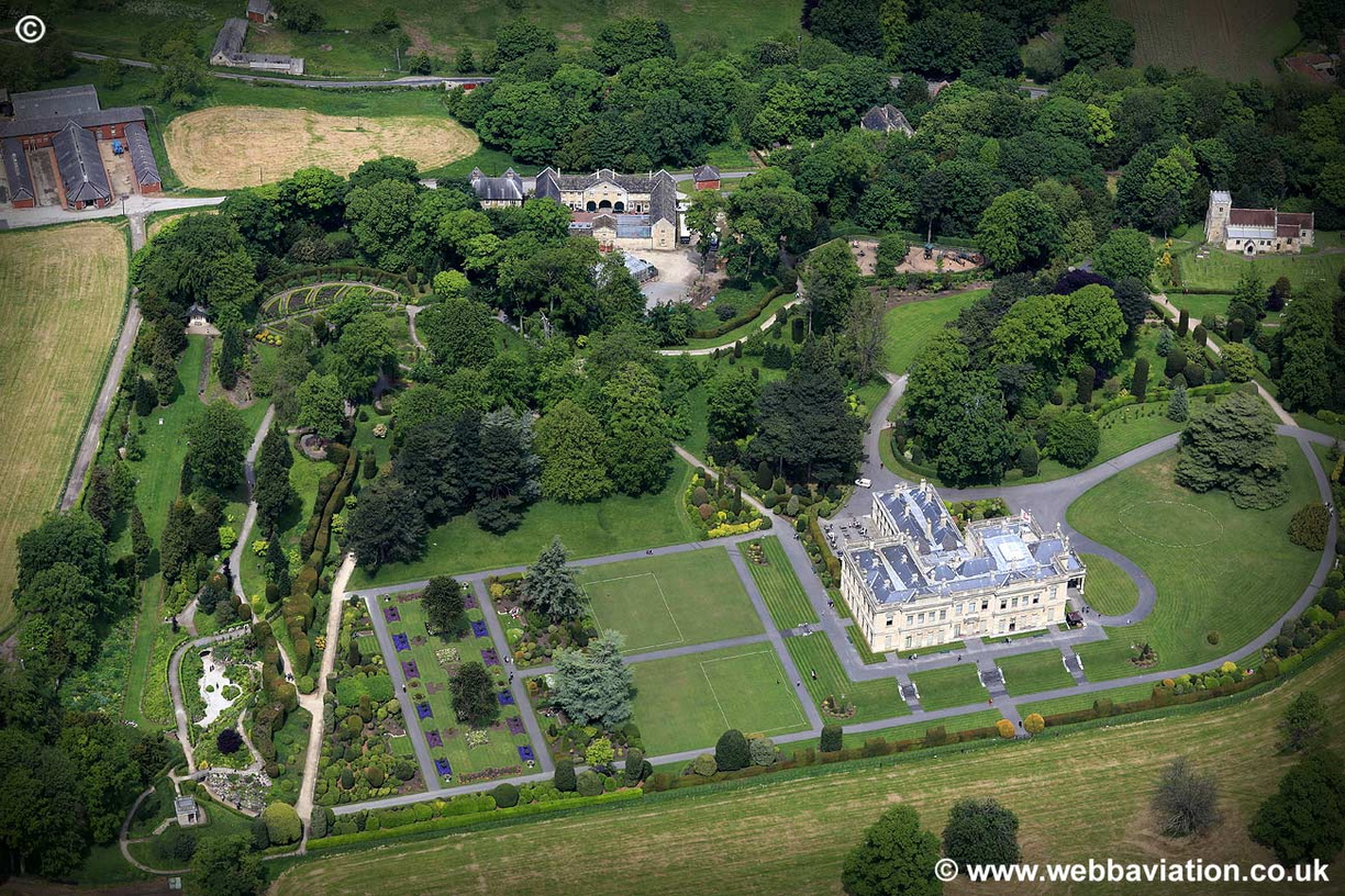 Brodsworth_Hall_jc13125.jpg