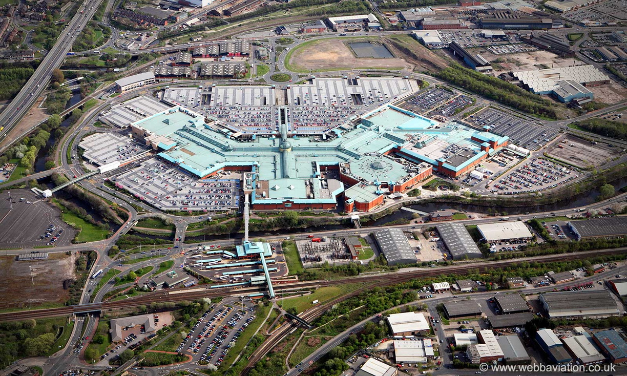 Meadowhall_shopping_centre_Sheffield_ba06334.jpg