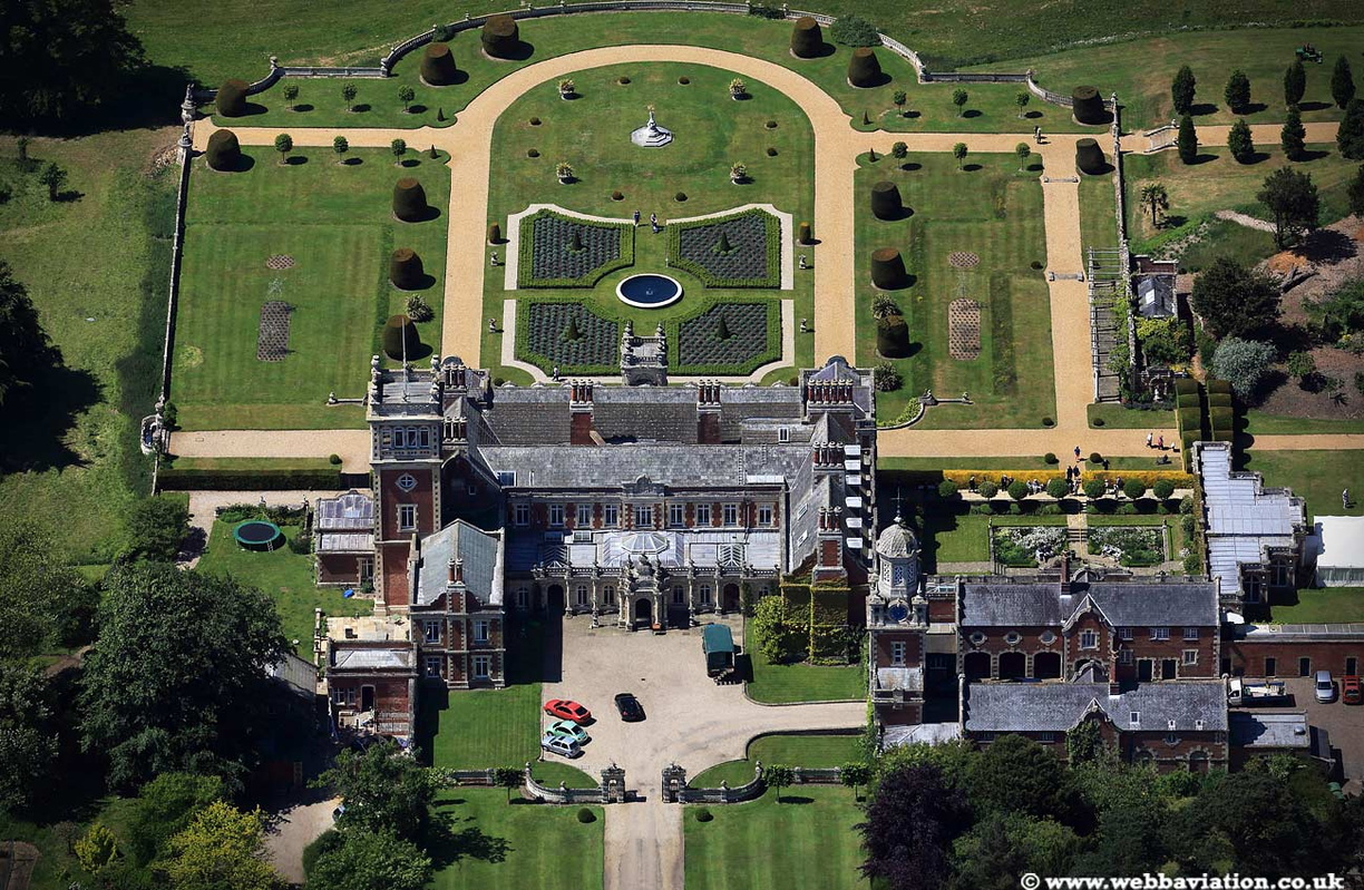 Somerleyton_Hall_Suffolk_jc19355.jpg