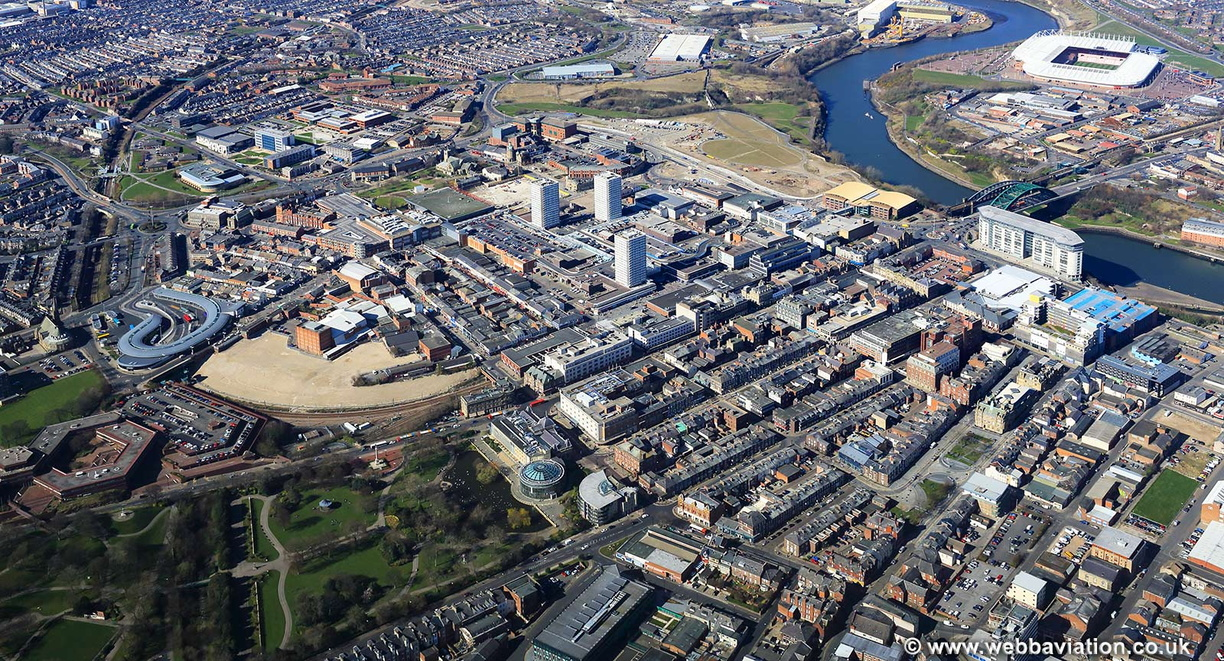 Sunderland_city_centre_aerial_ic04910.jpg