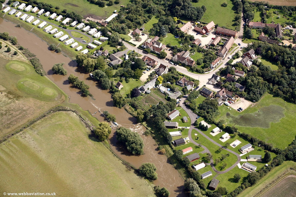Barton,Warwickshire showing the River Avon during the great floods of 2007  from the air