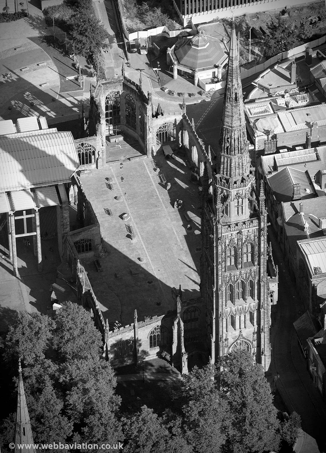 Coventry_Cathedral_aa08864bw.jpg