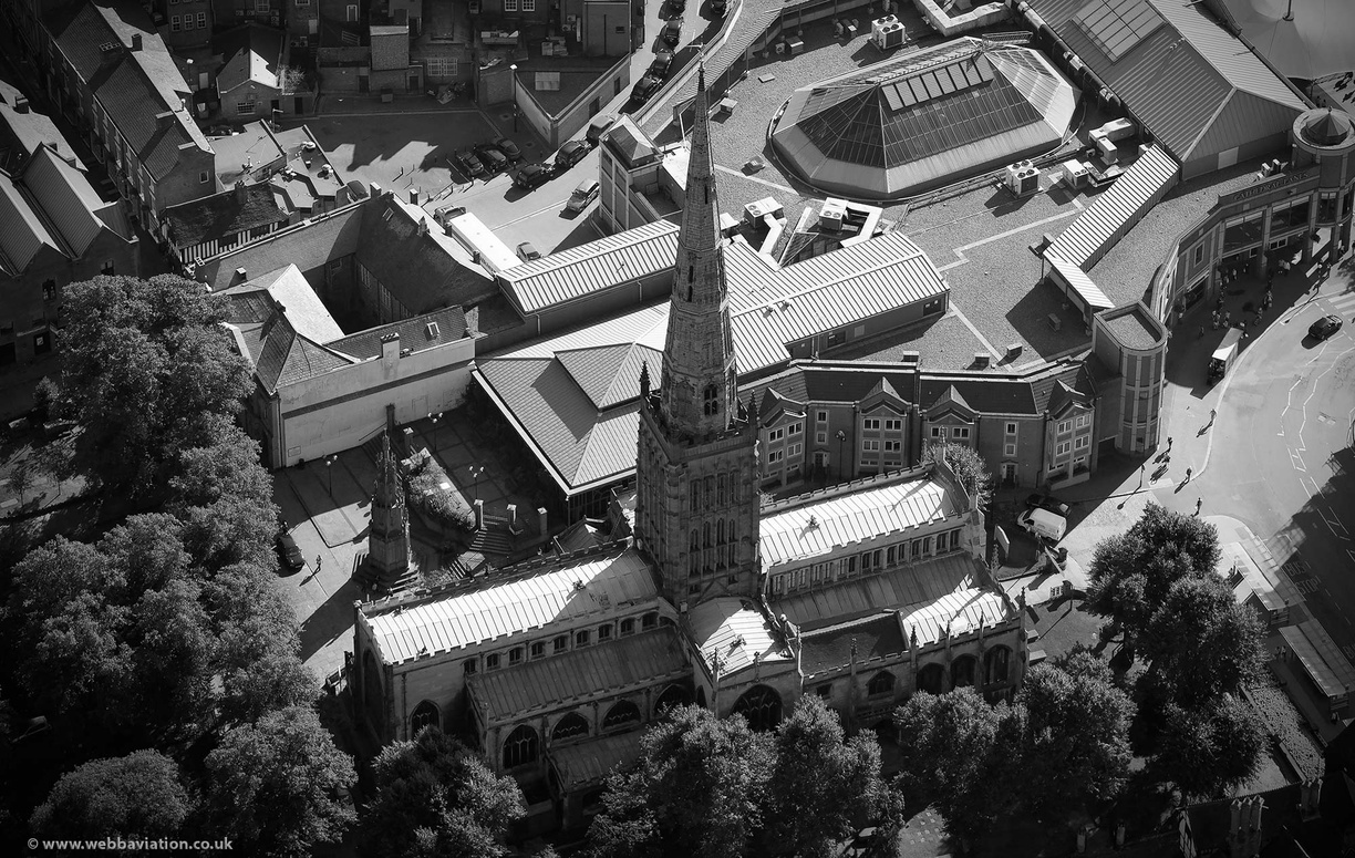 Holy_Trinity_Church_Coventry_aa08855bw.jpg