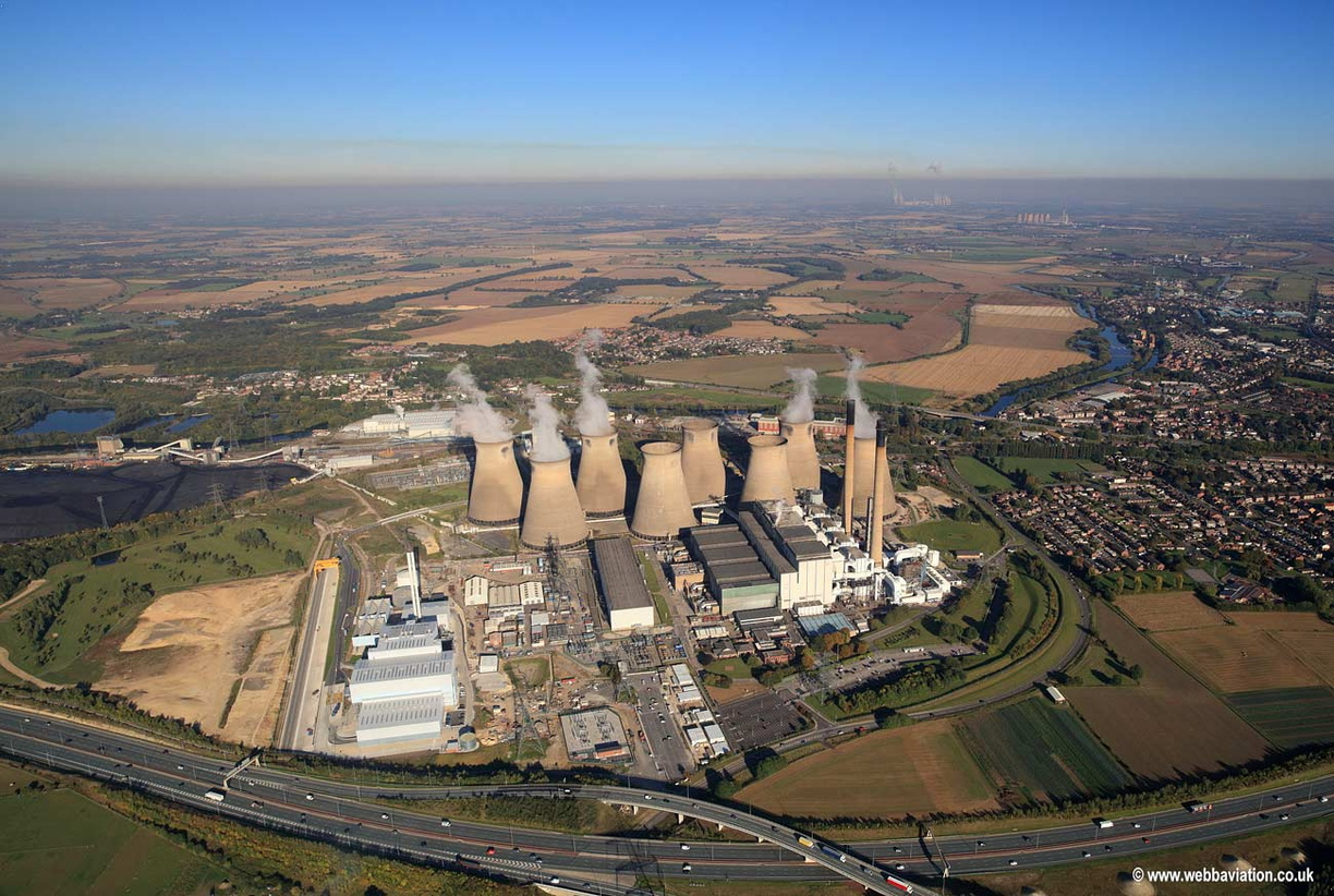 Ferrybridge_power_station_jd29019.jpg