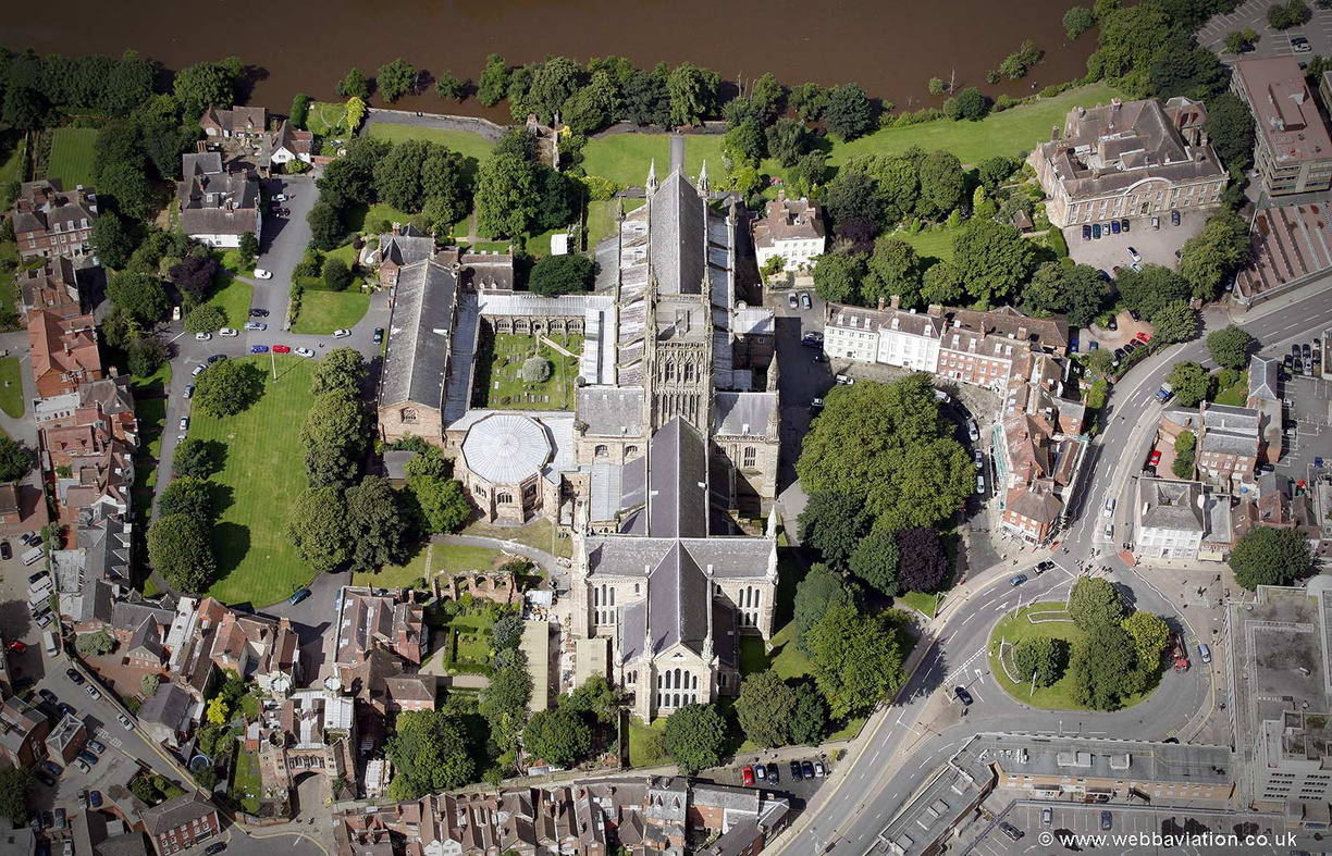 Worcester_Cathedral_ba18128.jpg