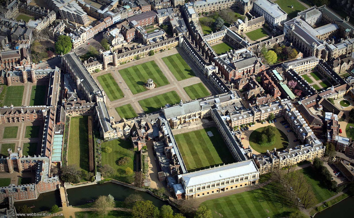 Trinity_College_Cambridge_ba07828.jpg
