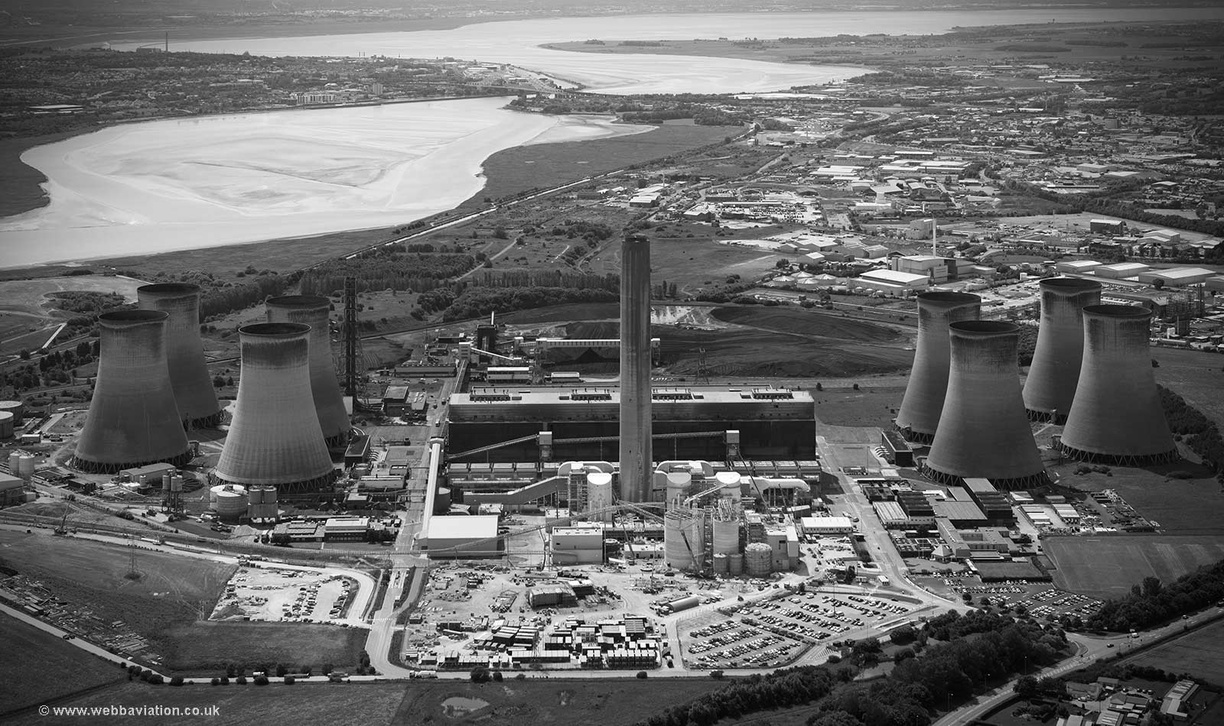 Fiddlers_Ferry_power_station_cb16355bw.jpg