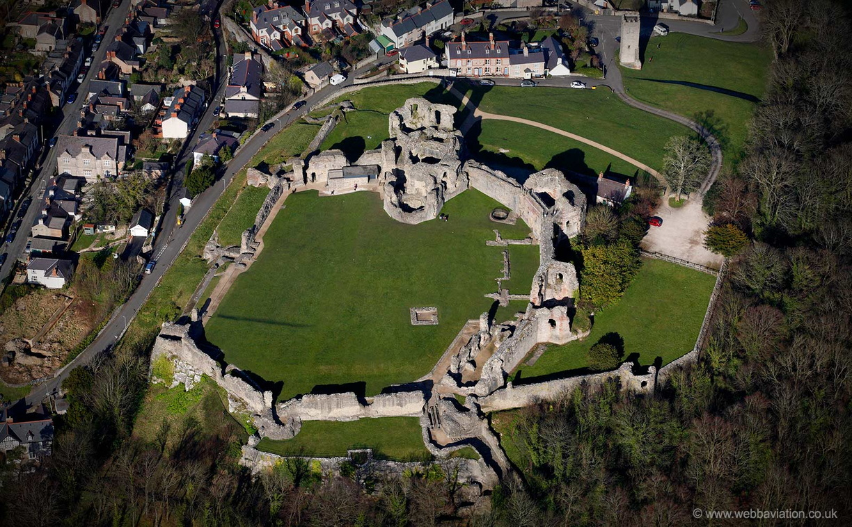 Denbigh_Castle_ca03121a.jpg