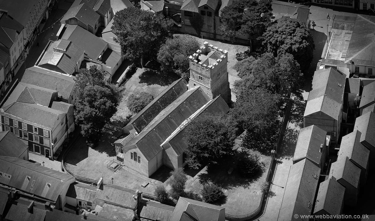 St_Thomass_Church_Neath_md09330bw.jpg